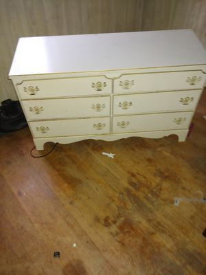 Dresser with matching night stand and corner desk for Sale in St. Louis, MO