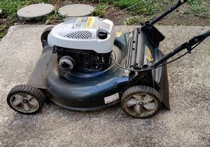 Lawn mower NOT WORKING. For Parts . for Sale in Columbus, OH