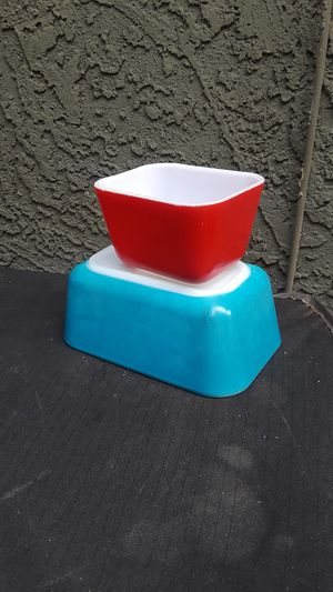 Primary Red and Blue Pyrex Refrigerator Dish for Sale in Phoenix, AZ