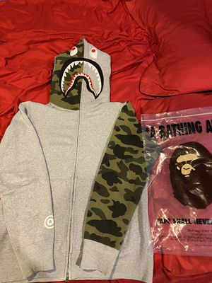 Bape shark hoodie for Sale in Oxon Hill-Glassmanor, MD