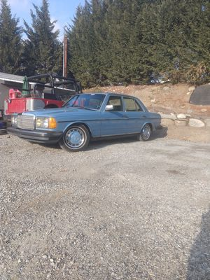1980 Mercedes Benz 240D Diesel for Sale in East Wenatchee, WA