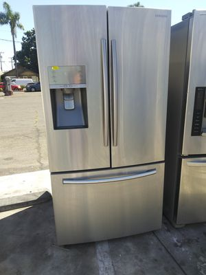 Samsung 3 Door Ice Make & Water Dispenser Refrigerator for Sale in Chino Hills, CA