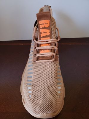 Raeli sneakers for Sale in Joliet, IL