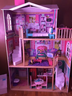 American Girl Doll House (Size 5Ft x 4Ft x 1.5Ft for Sale in Columbus, OH