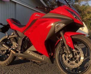 2016 Kawasaki ninja 300 for Sale in North Las Vegas, NV