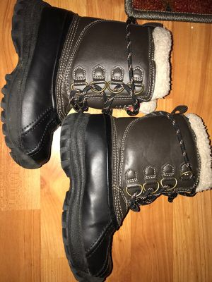 Kids Arizona snow boots size 12 in great condition for Sale in Westerville, OH