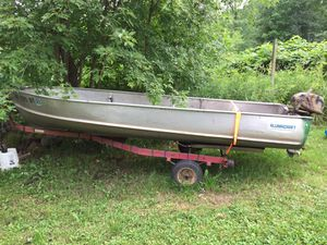 Aluminum 14 feet fishing boat with 6 horsepower engine for Sale in Minneapolis, MN
