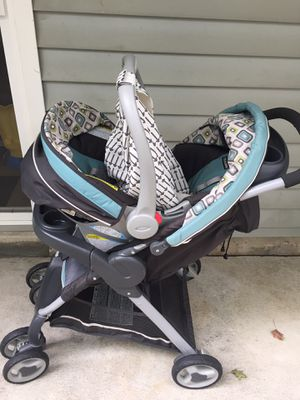Stroller with rear facing car seat for Sale in Johnston, RI