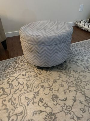 Ottoman with storage for Sale in Puyallup, WA