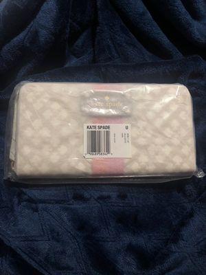 Billetera marca Kate spade original nueva de paquete for Sale in Miami, FL
