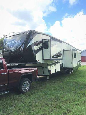 2017 Heartland ElkRidge 39MBHS Fifth wheel Travel Trailer for Sale in Weston, FL