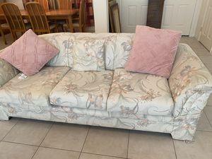 Full living room set for Sale in Vero Beach, FL