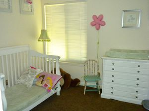 Child Craft 4 in 1 Convertible Bed and Dresser/changing table for Sale in San Diego, CA