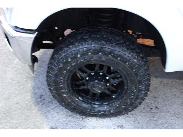 2011 Ford Super Duty F-350 SRW 4WD CREW CAB XLT W/ FISHER MM1 8 PLOW