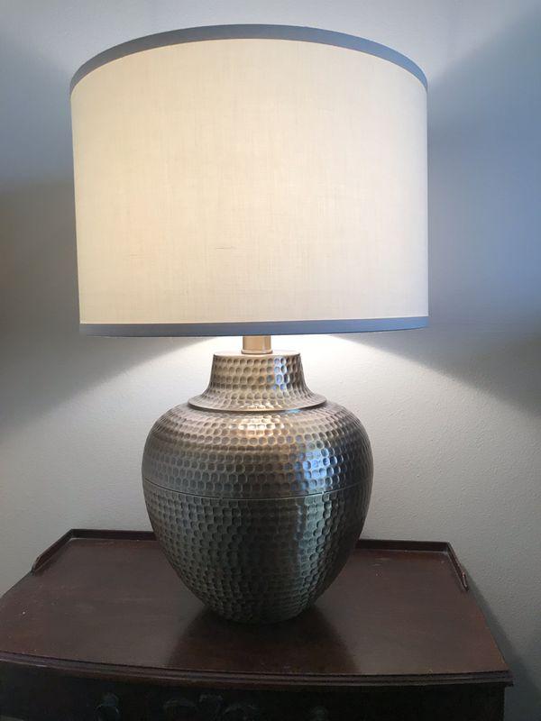 Brighton Hammered Pot table lamp