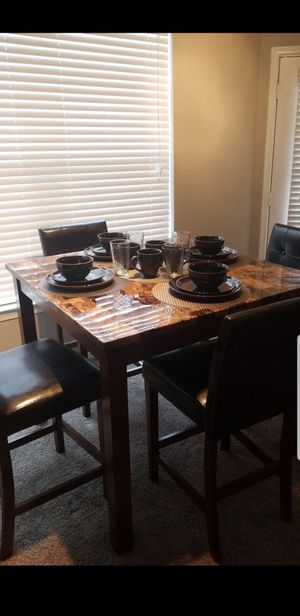 Dining table and 4 chairs for Sale in Dallas, TX