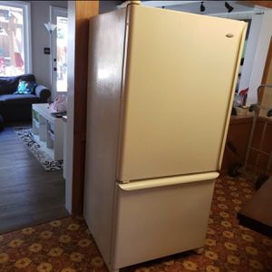 Amana Refrigerator, Pick Up Or Delivery for Sale in Santa Ana, CA