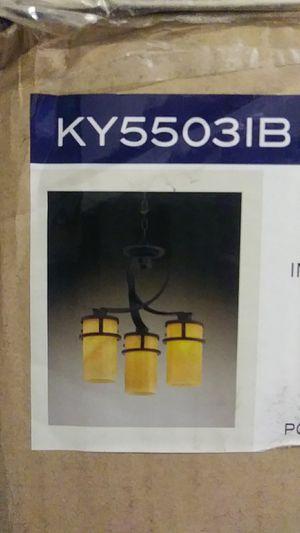 Quoizel mini chandelier. Model KY55031B for Sale in Sunrise, FL