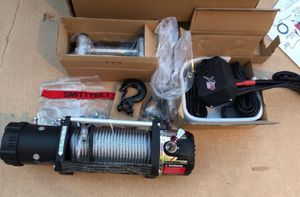 NEW Smittybilt XRC 9500 winch with cables & remote for Sale in Scottsdale, AZ