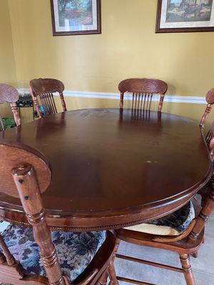 Dining Table w/ 6 chairs for Sale in Lascassas, TN