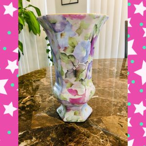 Floral Vase Formalities by Baum Bros for Sale in Spring Hill, FL