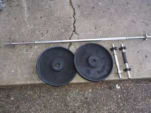 STANDARD 30 POUND PLATES AN BARS for Sale in Columbus, OH