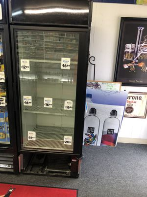 Beer Cooler Not Working Give Me Your Best Offer for Sale in Wenatchee, WA