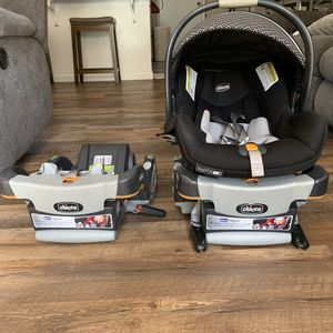 Chicco Key Fit Car Seat and Base (2 bases) for Sale in Fresno, CA