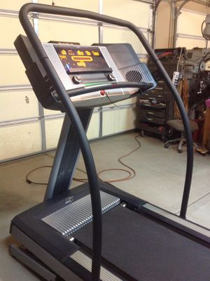 Nordictrack E3000 Commercial Treadmill in Excellent Condition! for Sale in Phoenix, AZ