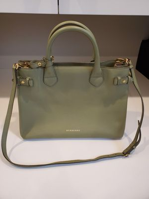Burberry in excellent condition. for Sale in Bellevue, WA