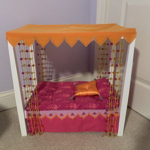 American girl doll Julie's bed. for Sale in Jackson Township, NJ