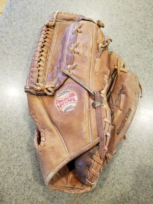 "12"" Spaulding baseball softball glove broken in for Sale in Norwalk, CA"