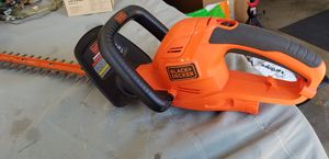 """Hedge trimmer 22"""" electric for Sale in Santa Ana, CA"""