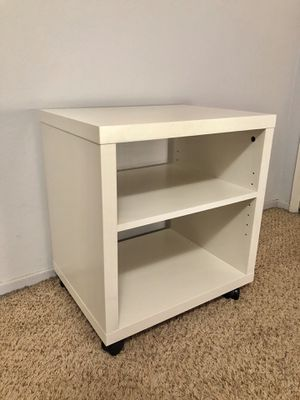 White Acccent Side Stand Entertainment Center Table Cart for Sale in Selma, CA