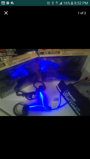 🎧Bluetooth lightup headphones🎧 for Sale in Houston, TX