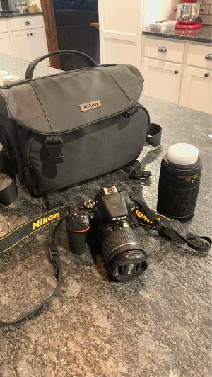 Nikon D3500 for Sale in Arlington, WA