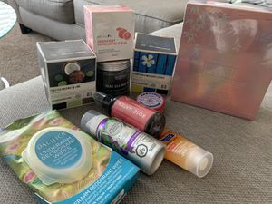Woman's Skin Care Bundle for Sale in Tampa, FL