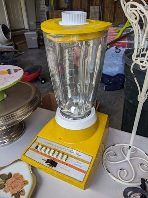 Vintage Yellow Sears 14 Speed Blender for Sale in Allyn, WA