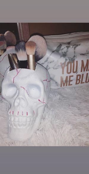 Skull makeup brush holder for Sale in PERKIOMENVLLE, PA
