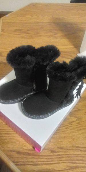 New girl boots size 6T $15 for Sale in Chambersburg, PA