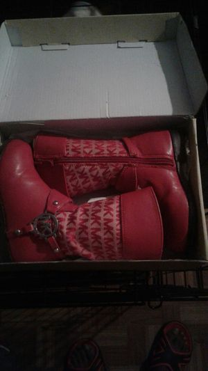 Mk boots [Michael kors] for Sale in Fort Washington, MD