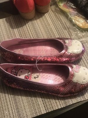 Sise 2 toms $20. Hello kitty $10. Shoes flowers pink $15. Sáldals Dora $3. for Sale in Tigard, OR