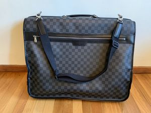 Louis Vuitton Garment Bag Damier Graphite 3 hanger Bag for Sale in Los Angeles, CA
