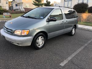 Toyota Sienna LE for Sale in Collingswood, NJ
