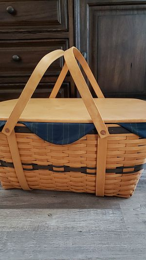 BIG longaberger college tors club basket for Sale in Sacramento, CA