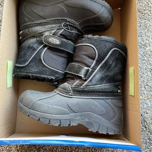 Toddlers Snow Boots for Sale in Apple Valley, CA