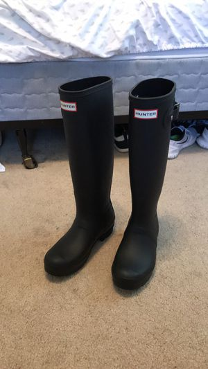 Hunter rain boots never worn!! Size 6 for Sale in Sewell, NJ