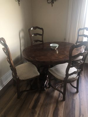 Kitchen table w/ chairs for Sale in Seattle, WA