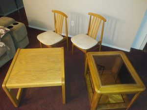 2 LIVING ROOM END/COFFEE TABLES & 2 LIL ACCESSORY CHAIRS all are SOLID OAK OFFERED: $50 FOR ALL OR BEST OFFER GREAT CONDITIO for Sale in Modesto, CA