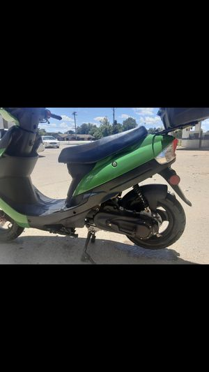2020 scooter 49cc for sell for Sale in St. Louis, MO